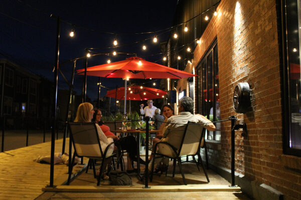 Eliot-and-Vine-patio-at-night